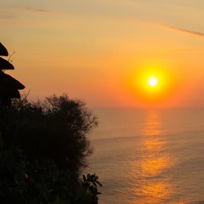 Coucher de soleil au temple d'Uluwatu