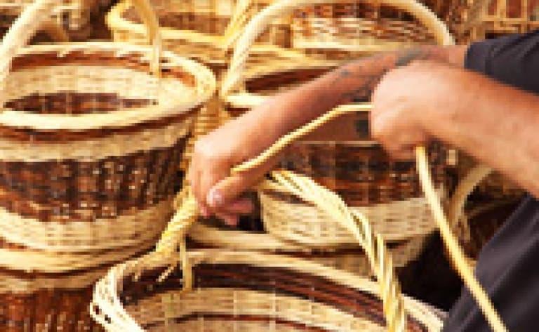 Peinture sur batiks et confection de paniers