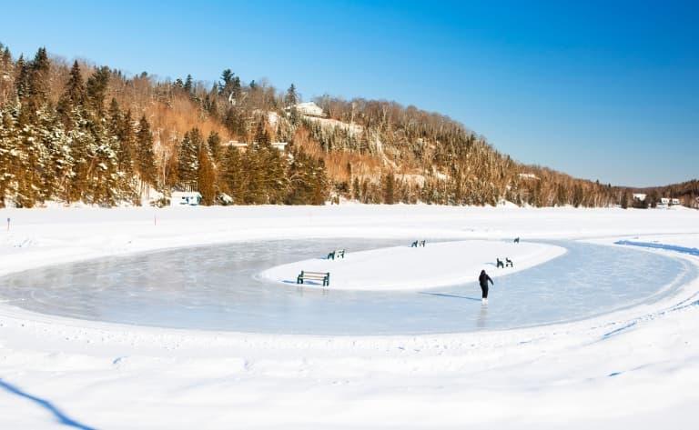 Brunch convivial, patinage sur la rivière, glissades…Ou repos !