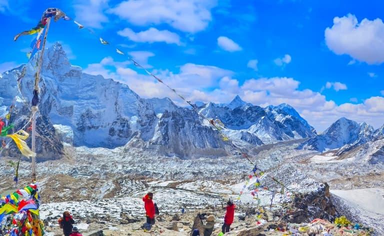 Route pour le camp de base de l'Everest à 5350 m d'altitude
