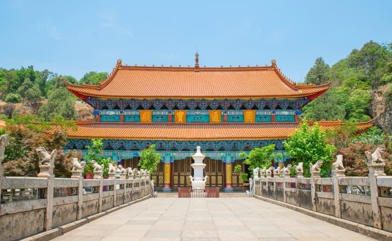 Le Marché aux Fleurs et aux Oiseaux, le Temple Yuantong, la Colline de l'Ouest, Temple de Sanqing et le Temple des Bambous