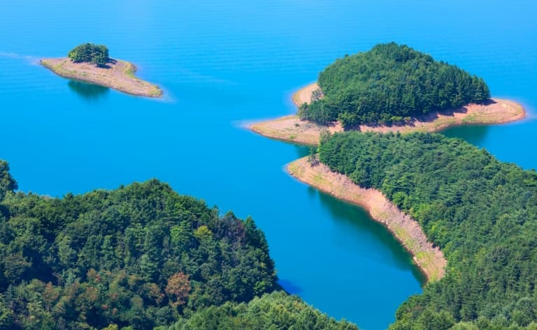 Sur les eaux du lac de Chungju