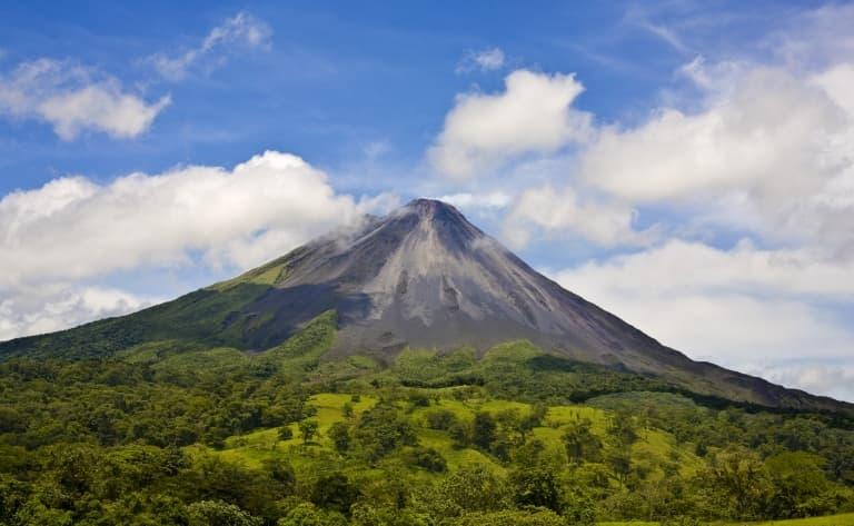 Dans la bouche du volcan