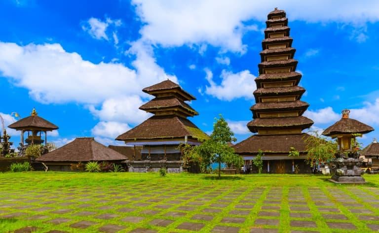 Le temple Besakih, Klungkung et promenade dans  les rizières