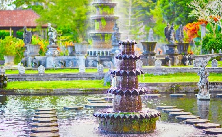 Visite du temple de Besakih et de Tirta Gangga