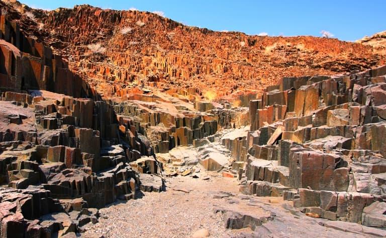 Peintures rupestres et éléphants du désert ! (130 km)